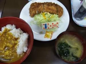 渋谷「さくら亭」の「とんかつ定食」